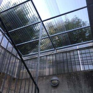 Überdachung bei Treppenabgang